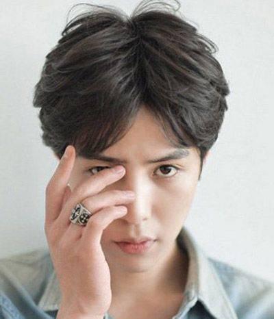 男生发质细软是否适合留中分刘海的发型?还有哪些发型图片