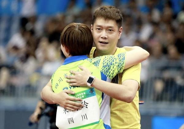 """国乒喜讯!前世界冠军""""回归"""" 教练组又增1""""新成员"""""""