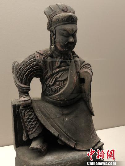 图为清代木雕关帝造像。 钟欣 摄