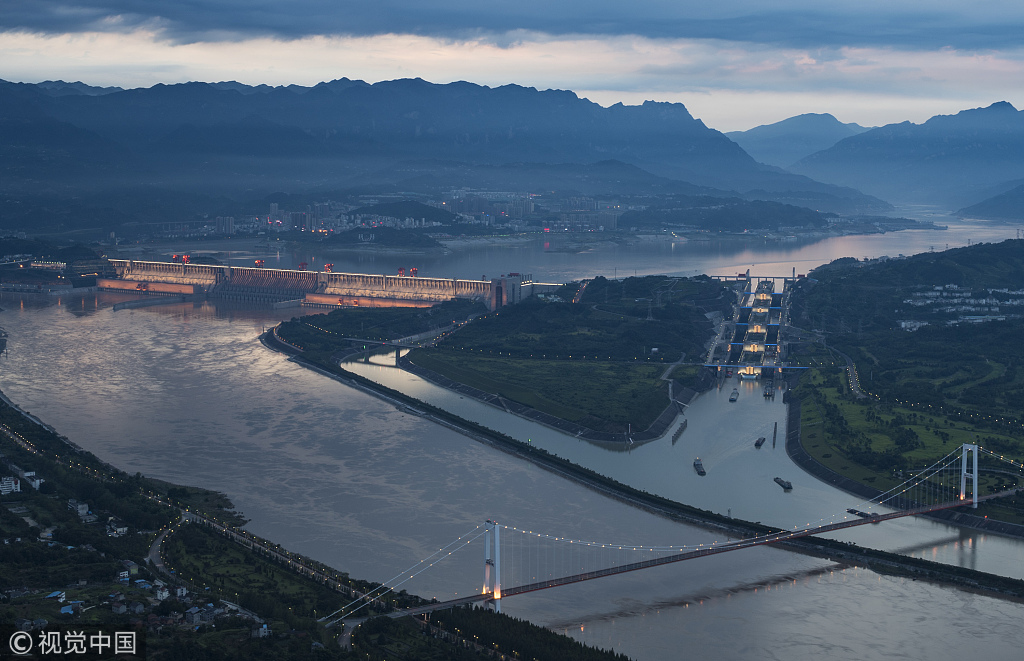 长江防总应急调度 疏散三峡滞留船舶295艘