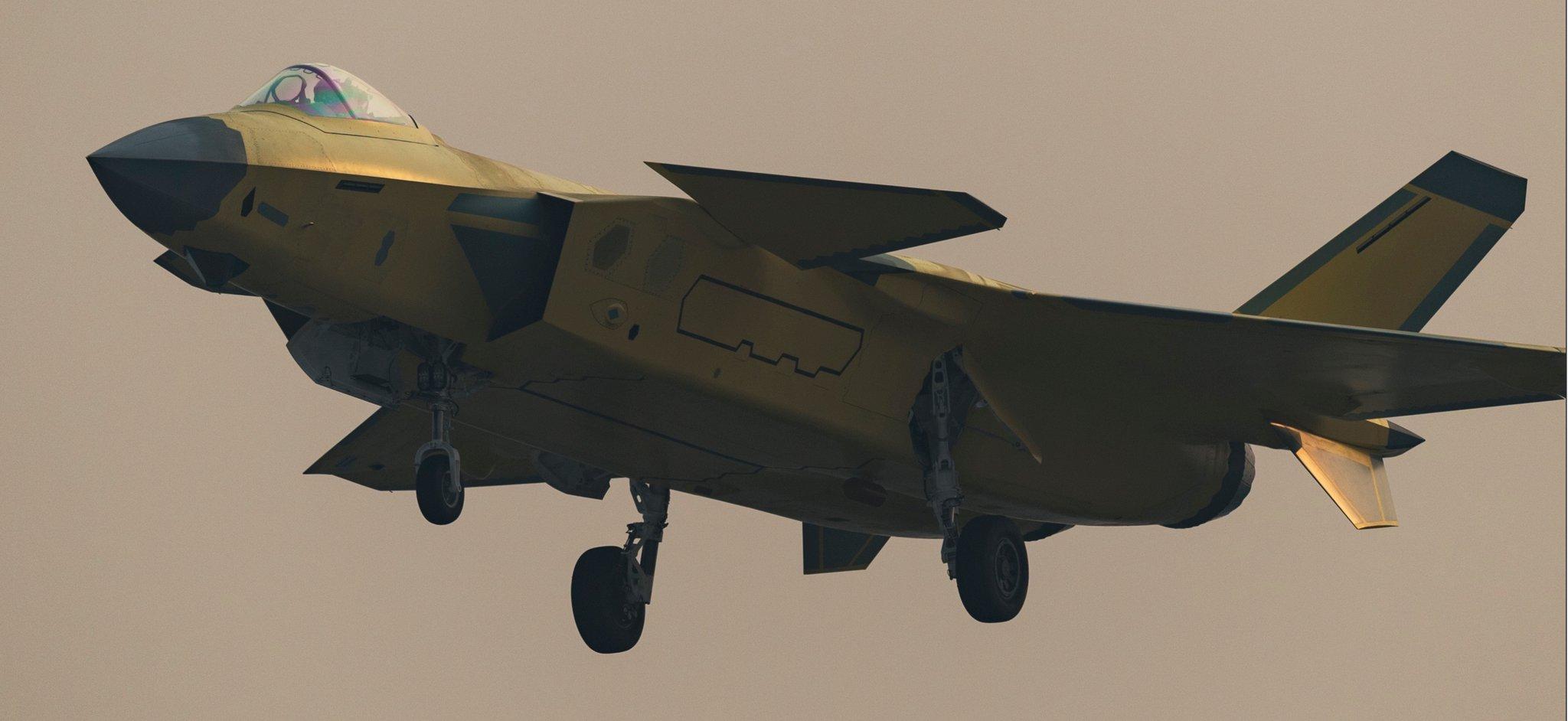 苏35御用发动机运抵中国 歼20要换心脏了?