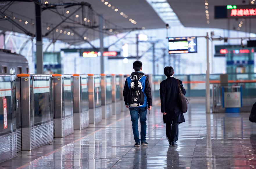 成都地铁2号线今起运营时间延长!再也不用担心