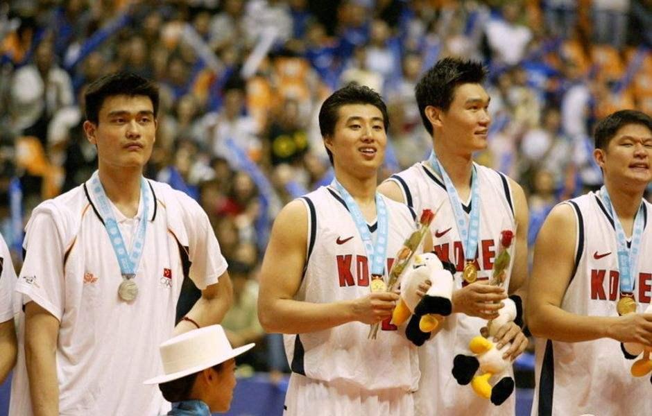 男篮亚运5大尴尬时刻:宫鲁鸣4上4下被打脸 首败竟输给菲律宾