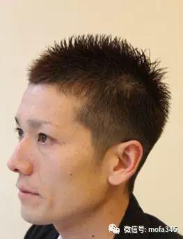 健康自然的短发发型,加上发丝修剪出的干练造型,很有魅力,很流行的图片
