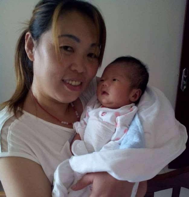 赵本山两个女儿差别巨大,小女儿成网红,大女儿近照尽显老态!