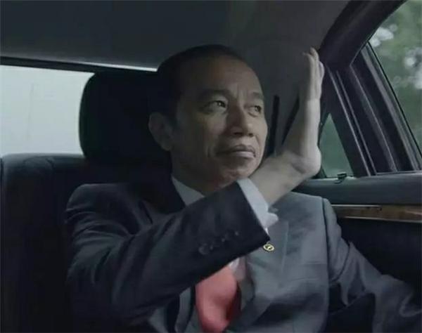 魏纪中现身亚运开幕式!工作特殊身兼重任 印尼总统找他握手