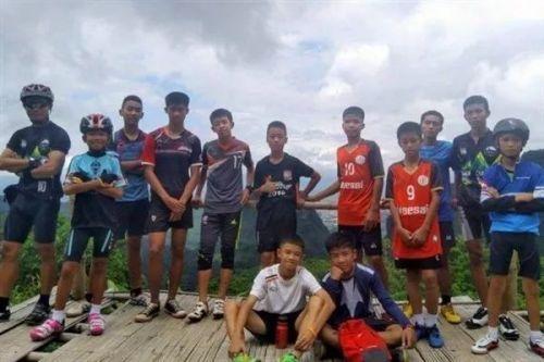 记录泰国13个足球少年被救 泰国足球