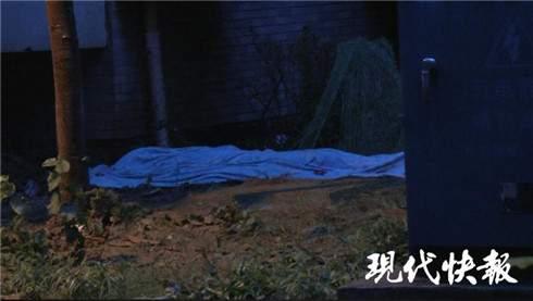 13岁男孩欲从天台爬窗进屋 从18楼失足坠落身亡