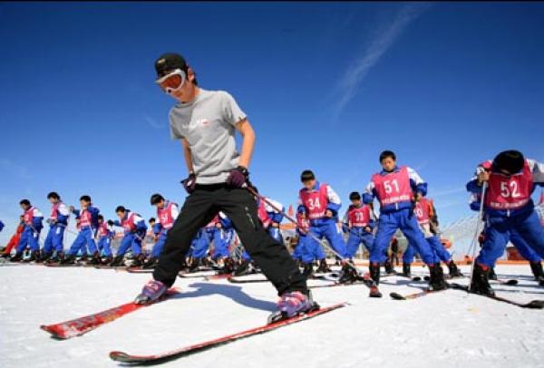 河北省教育厅:到2022年创建200所冰雪运动特色学校