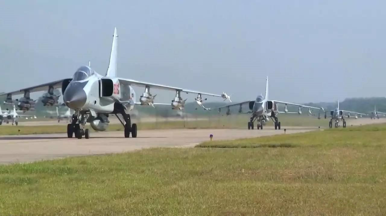 海军20年老机仍然坚持服役 比歼11歼10还重要