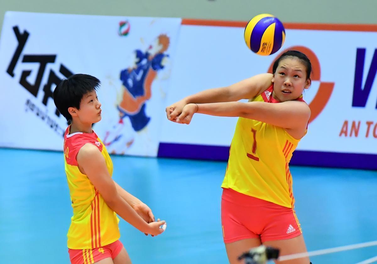 世锦赛中国女排22人大名单揭晓,这位新人18岁零3天
