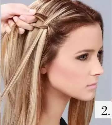 > 正文   前半部分的头发编成蝎子辫; 小辫与图片中的长度差不多时,用
