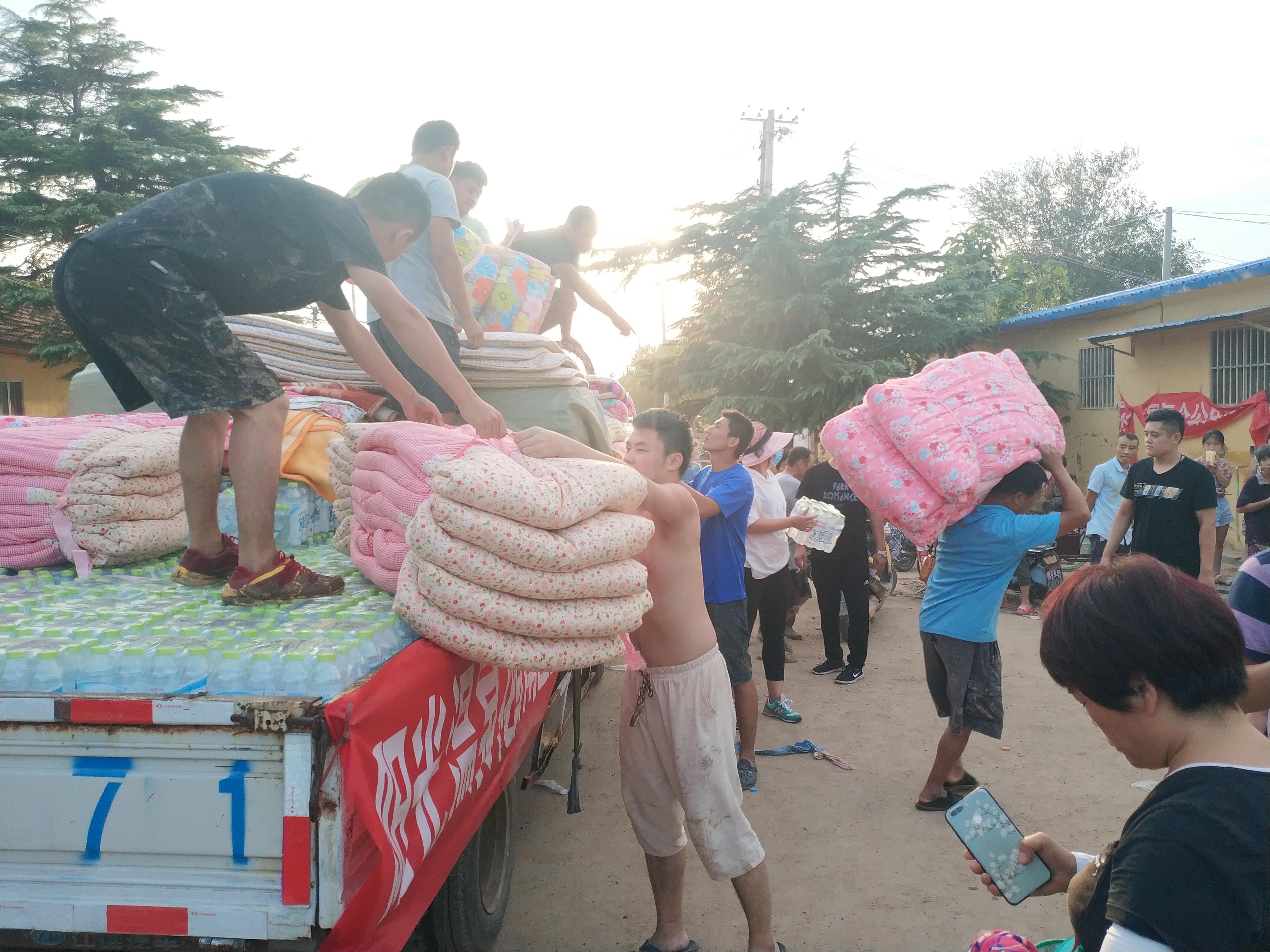 山东寿光洪灾:72小时从撤离到回家,他们经历了什么