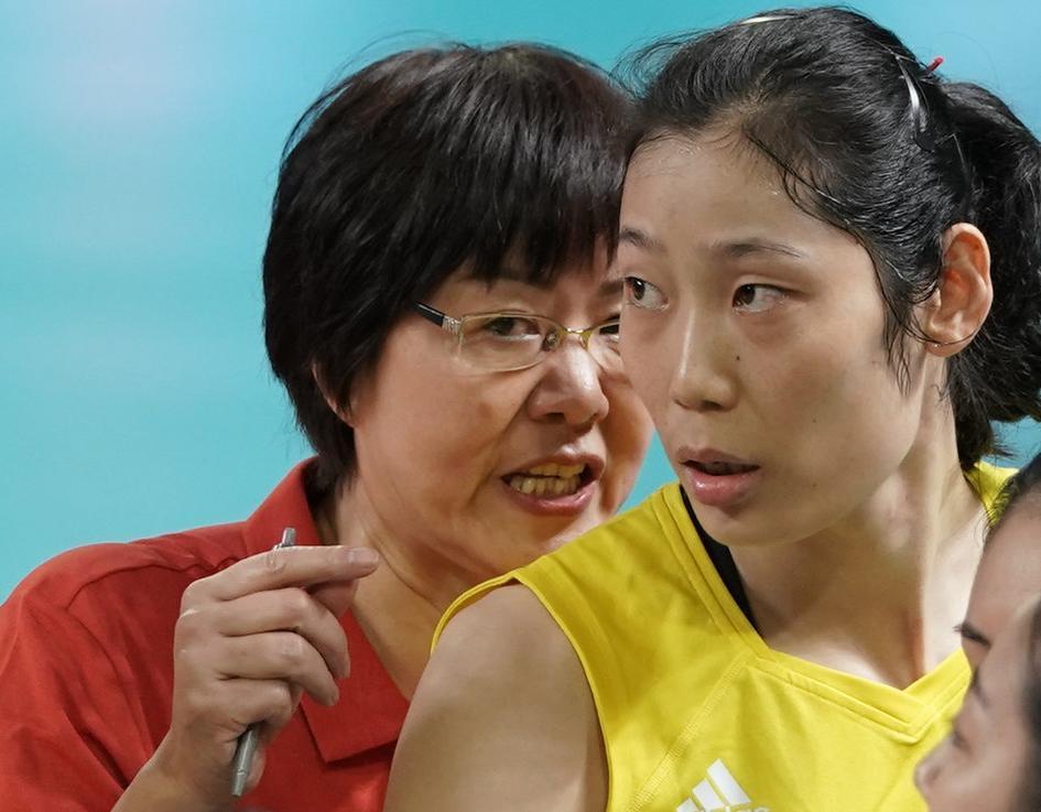 中国女排成功复仇!央视指出胜利秘诀 郎平一安排用心良苦