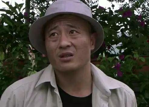 赵本山赵四刘能小品_宋小宝,小沈阳,赵四,刘能,座驾差别不是一般的大,在黄江又是多少钱?