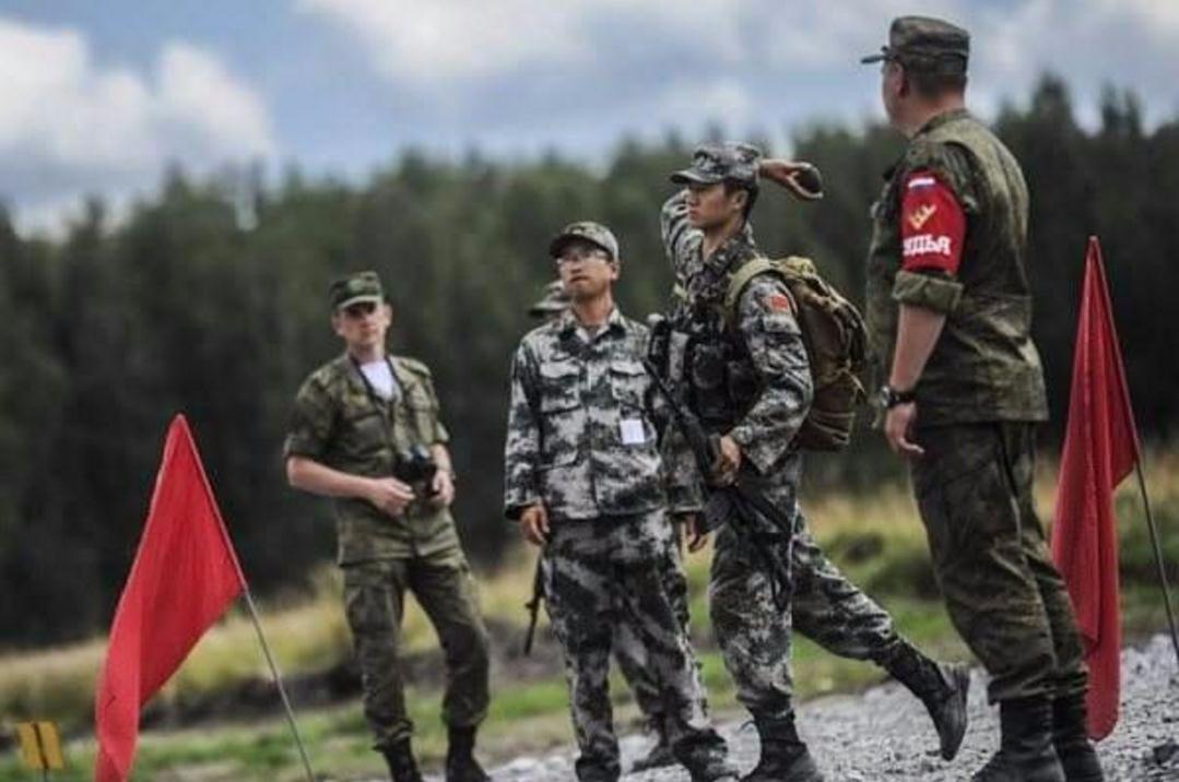 解放军扔手榴弹最远记录102米 被誉为人肉迫击炮