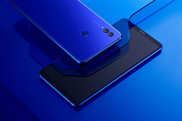 2018上半年中国市场增速排行 荣耀手机32%以绝对优势夺得第一