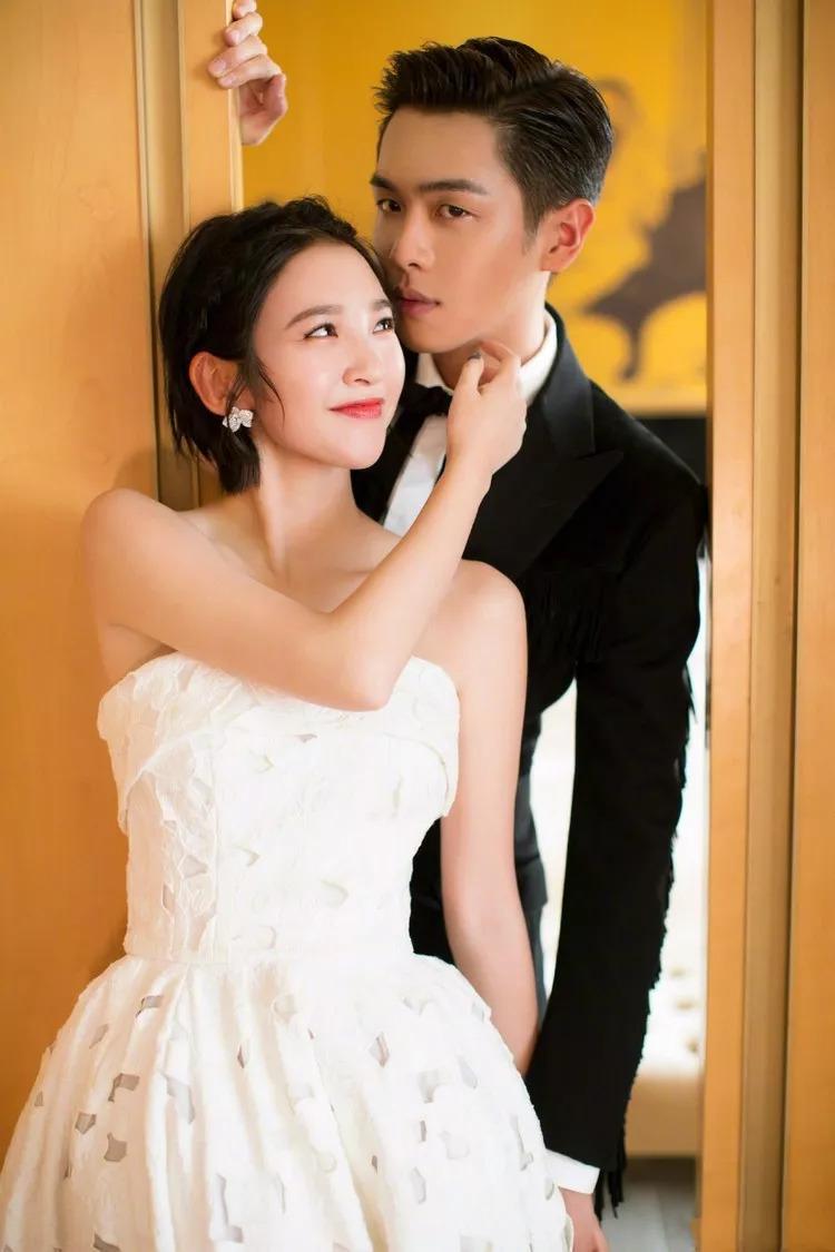 30岁张若昀唐艺昕领证:没有该结婚的年龄,只有