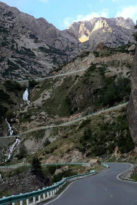 117公里的仙境公路竟修了近50年开通后隐秘圣境惊哭世人