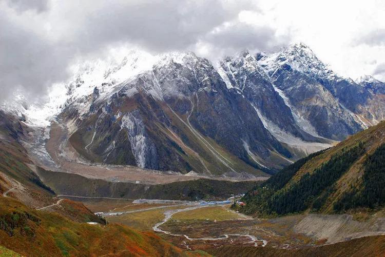 117公里的仙境公路竟修了近50年 开通后隐秘圣境惊哭世人
