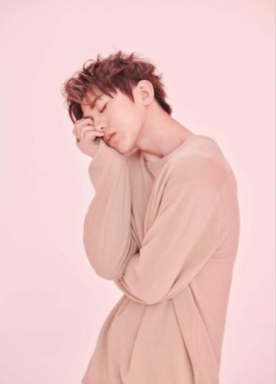 蔡徐坤新歌发布DJ帅气打碟引发现场尖叫连连这就是潮男
