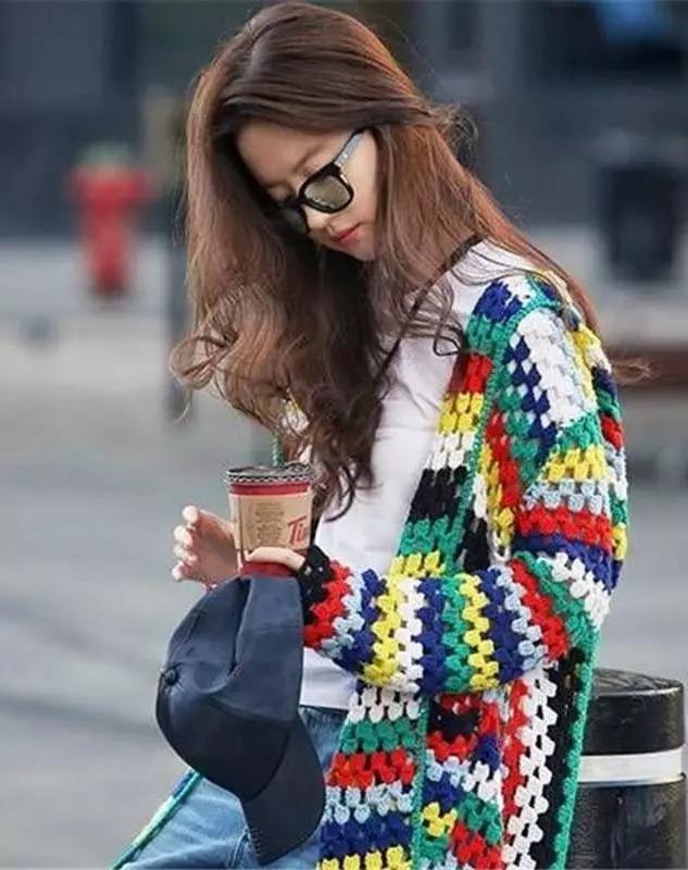 考查:女性穿白色衣物更具魅力 令异性用心致志