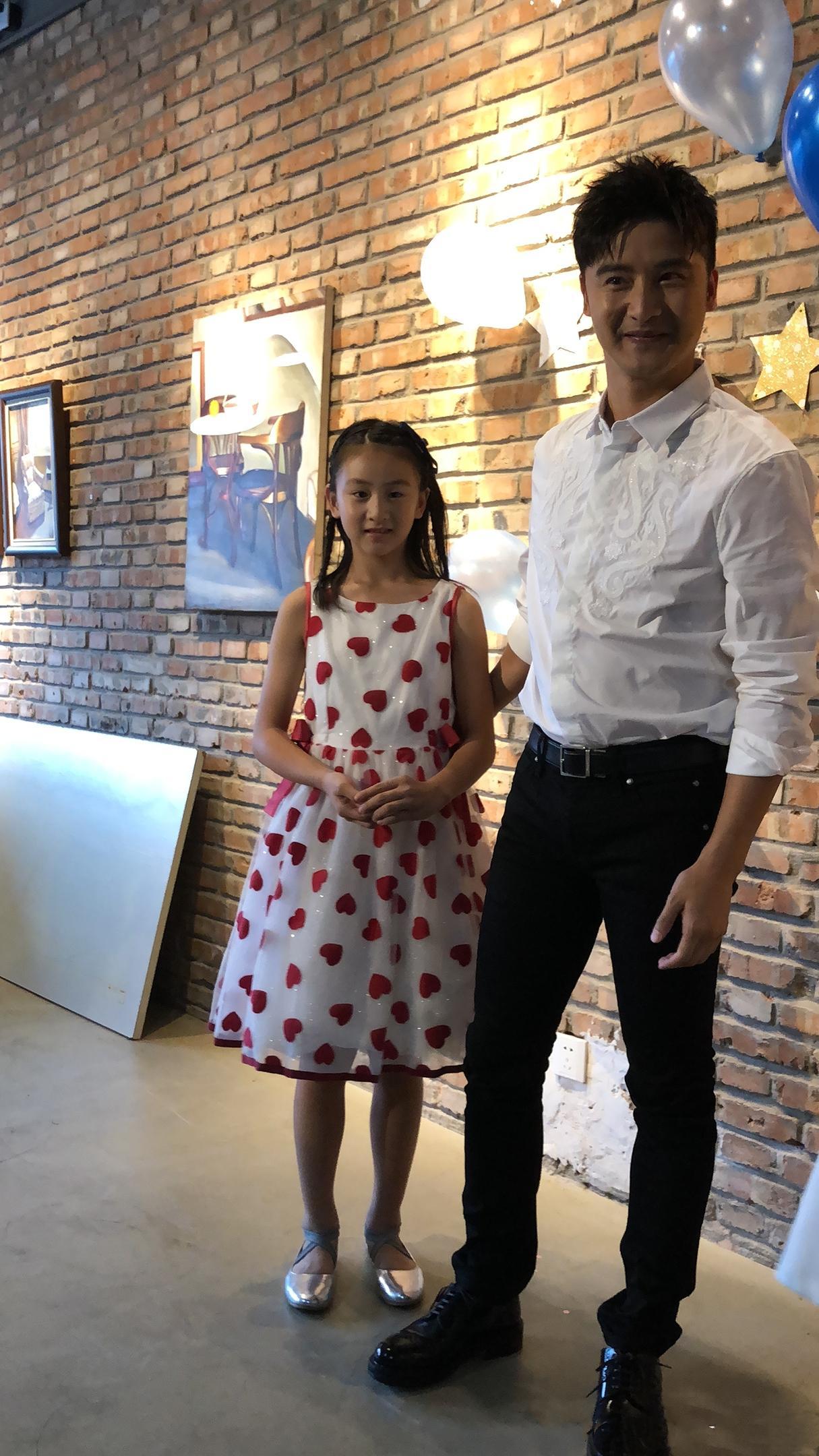 粉丝祝田亮18岁生日快乐 森碟连忙更正:我爸爸38了!