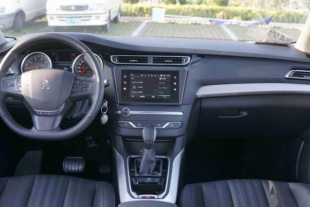 紧凑型家轿市场迎来新期待,试驾全新东风标致408