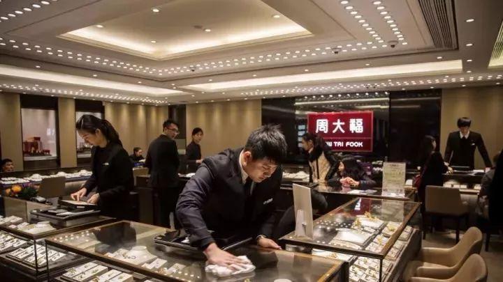 90后中国年轻消费者最敢花钱!全球奢侈时尚品牌上半年财报汇总
