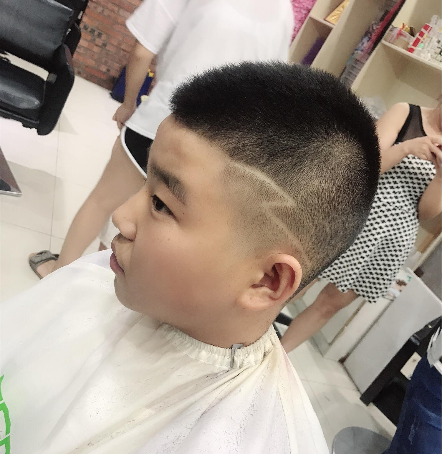 帅宝宝的发型图片_2019宝宝发型图片
