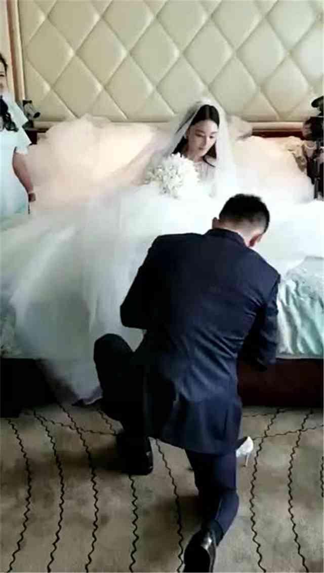 张馨予婚礼现场告白老公:你是我一直要等的那个人