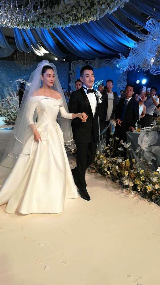 张馨予大婚这句话让人泪目,这些明星婚礼现场太感人