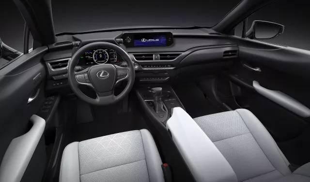 雷克萨斯UX概念车让人大跌眼镜没想到实车竟是个改装的好苗子
