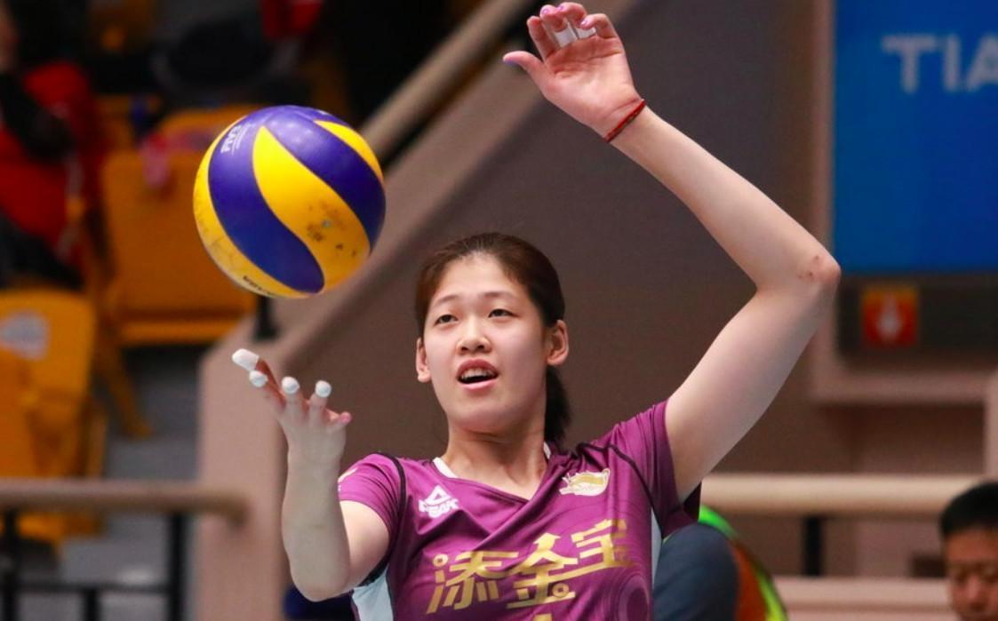 完美!女排8连胜+0封对手夺冠 一人核心一人完美蜕变