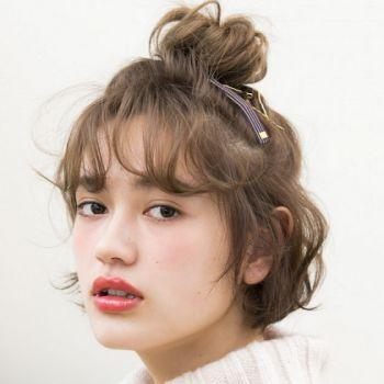 羊毛羔卷刘海能够增多你的发量,所以很适合头发细软又稀少的女生.图片