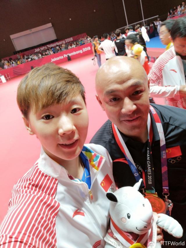 国乒金牌教练再显威!在培养出张继科后,又把19岁小将带上亚洲之巅