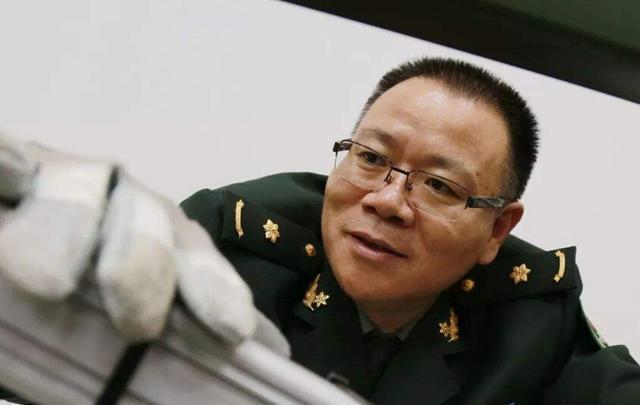 外媒争相报道,中国磁轨炮与导弹结合,领先世界