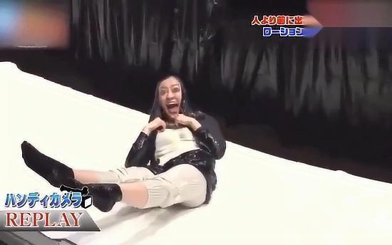 日本综艺:搞笑整人节目之穿不上的裤子