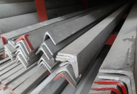 云南角钢批发:304不锈钢角钢最详细介绍