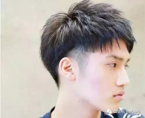 男大学生适合男生,短发党阳光帅气发型学生齐刘海睡觉醒来图片
