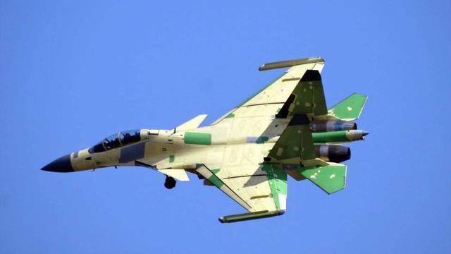 歼-16D有多强?美媒声称其威胁比歼-20还大