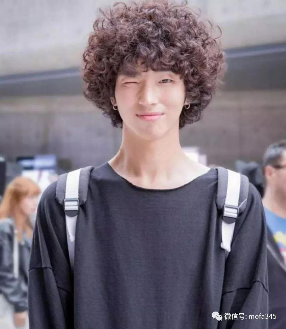 图片烫头大全有几种,适合发型烫的男生!40岁什么颜色头发好看男生发型图片