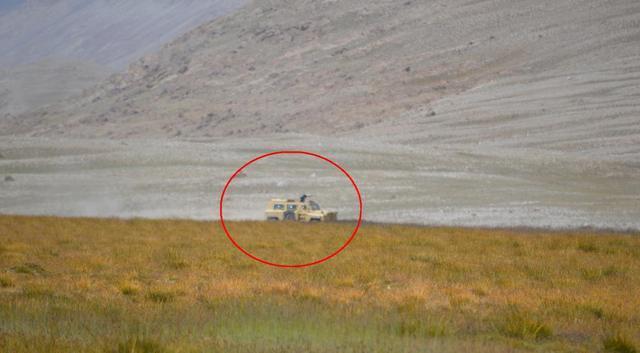 VP11防雷车上帕米尔高原 让战士巡逻更舒适