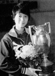国乒天才23岁就拿了59枚金牌 却抽烟烫头恋爱不听管教