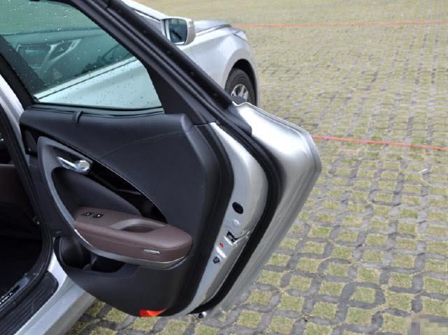 国人最不认可的豪车,配V6加可变悬架,仅迈腾价格,就是没人买