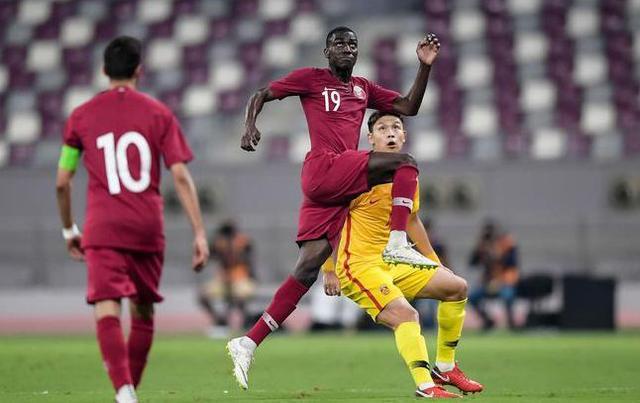 352阵型是败笔?里皮高估球员能力,国足防线频频遭卡塔尔打穿