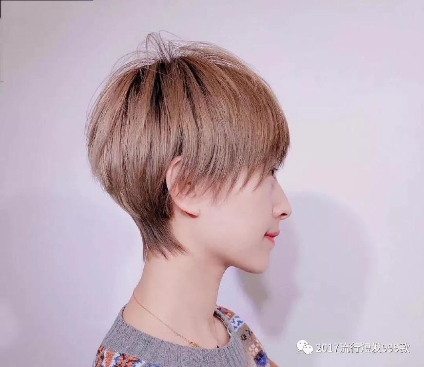 十八岁少女的屄_剪个短发换一种风格换一种时尚,长发显得成熟剪了短发后变得十八岁小