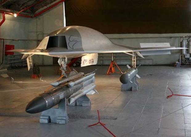 俄推出6代机雏形 隐身无人机可带反舰导弹