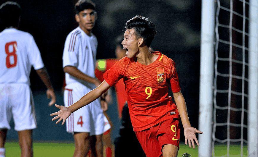 中国足坛1天才横空出世,两场比赛包揽全队所有进球,3球斩韩国