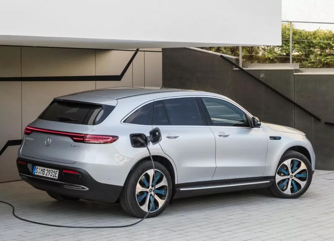 汽车发明者的奔驰,竟然用十年前的新能源车技术来忽悠消费者?